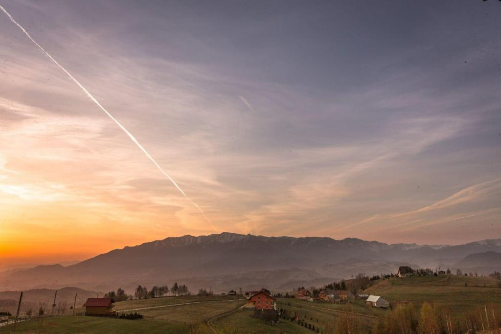 Nobillis Carpathian Residence, Servicii la inaltime, Vedere Muntii Bucegi, Satul Pestera