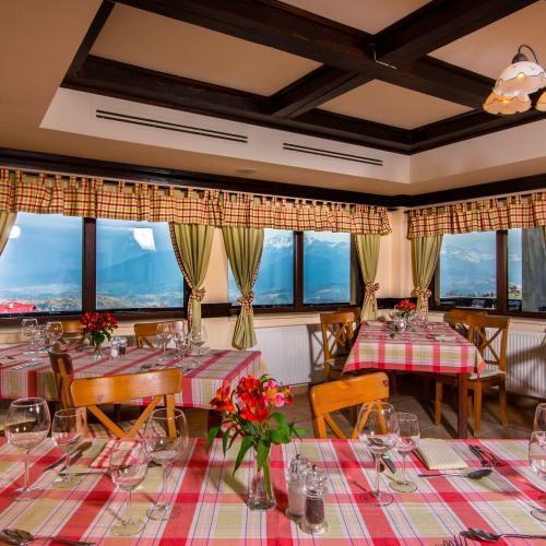 Restaurant Nobillis, Restaurant Piatra Craiului, Restaurant Carpati, Restaurant Pestera (11)