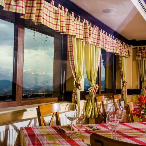 Restaurant Nobillis, Restaurant Piatra Craiului, Restaurant Carpati, Restaurant Pestera (17)