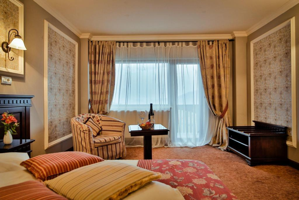 Servicii la inaltime, Nobillis - Carpathian Residence