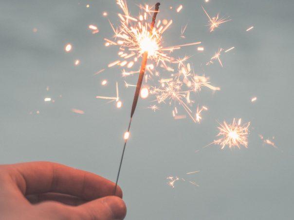 hand firework, revelion